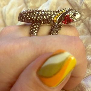 Jewelry - Awesome Silver Bejeweled Lizard Ring